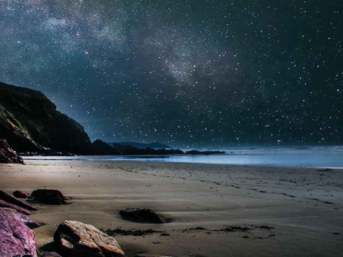 loosen up seashore during nighttime